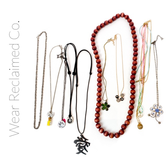 🛍3/$30 SALE - 10 assorted Necklaces